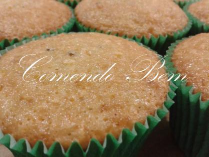 Cupcake de Farinha de Milho com Erva Doce